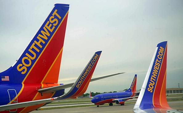 Virgin America, Singapore named top airlines