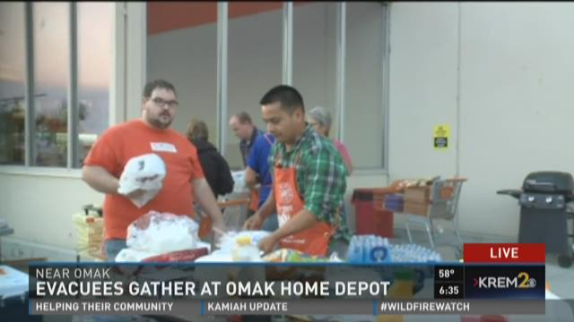 home depot omak evacuees gather at omak home depot 189